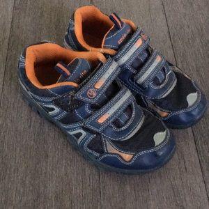 Stride rite boys velcor sneakers size 2